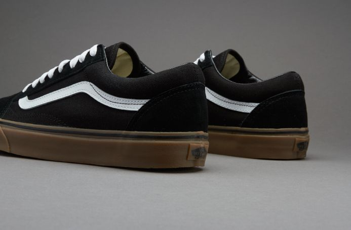 d69c475f00b Vans Old Skool (Gumsole) - Black   Medium Gum