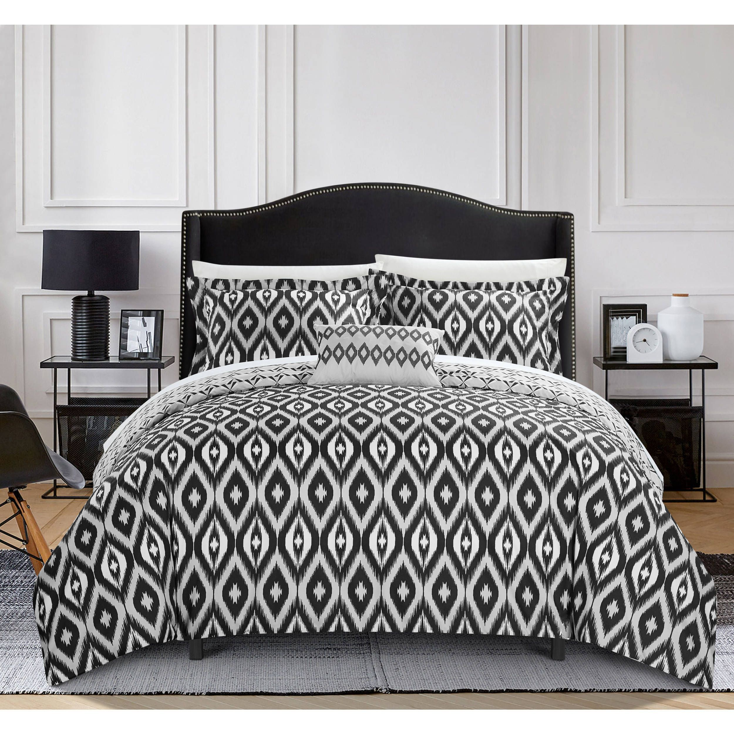 Chic Home 8Piece Reversible Black Ikat Duvet Cover and