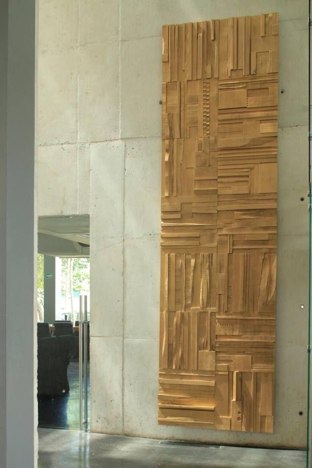 Gold lacquer • 2' square tile