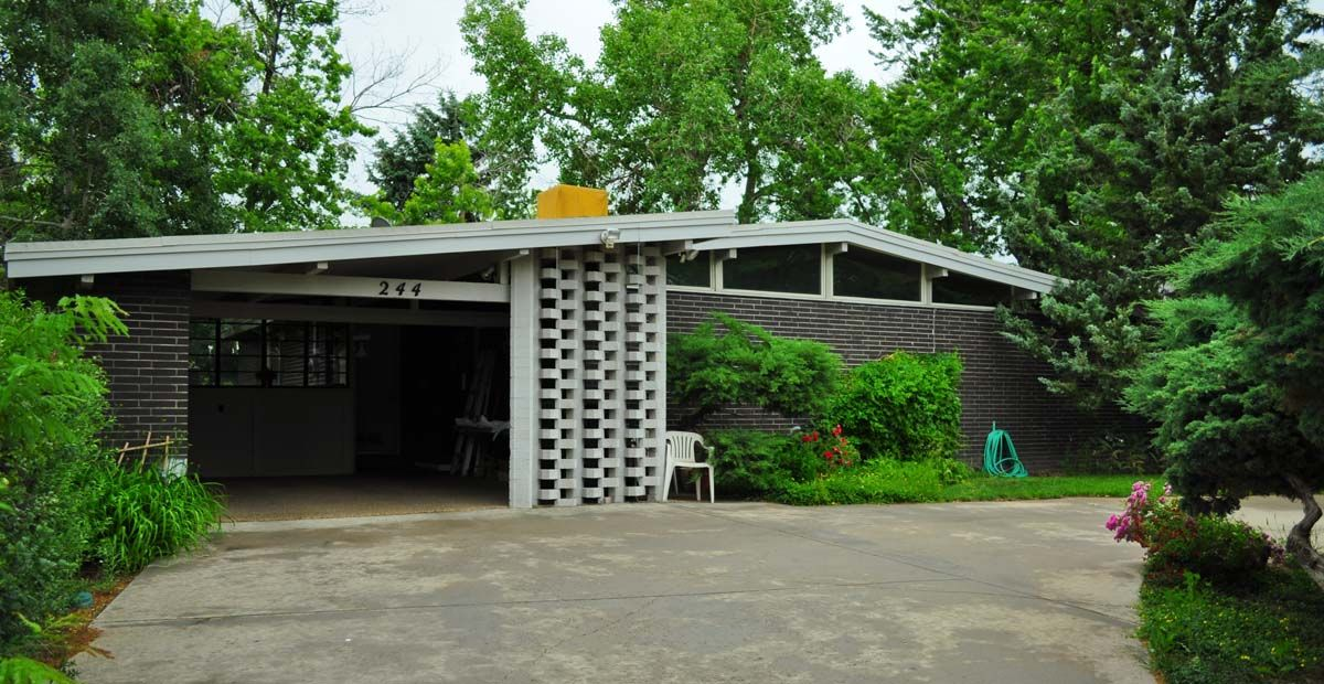1960s ranch style house