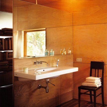 du contre plaqu marine en okoum salle de bain en bois bois exotique et lavabo. Black Bedroom Furniture Sets. Home Design Ideas