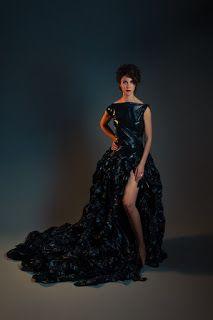 Moda con Bolsas de Basura   Vestido con material reciclado
