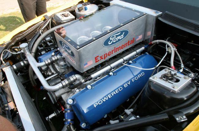 EXPERIMENTAL Ford 7 liter all-aluminum 4V DOHC big-block V-8