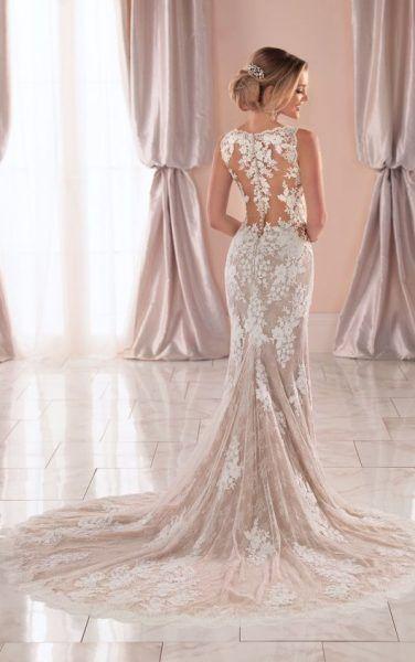 Sleeveless V-neck Lace Wedding Dress | Kleinfeld Bridal