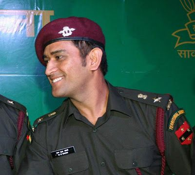 Mahendra Singh Dhoni in Army Dress | Army dress, Dhoni wallpapers ...