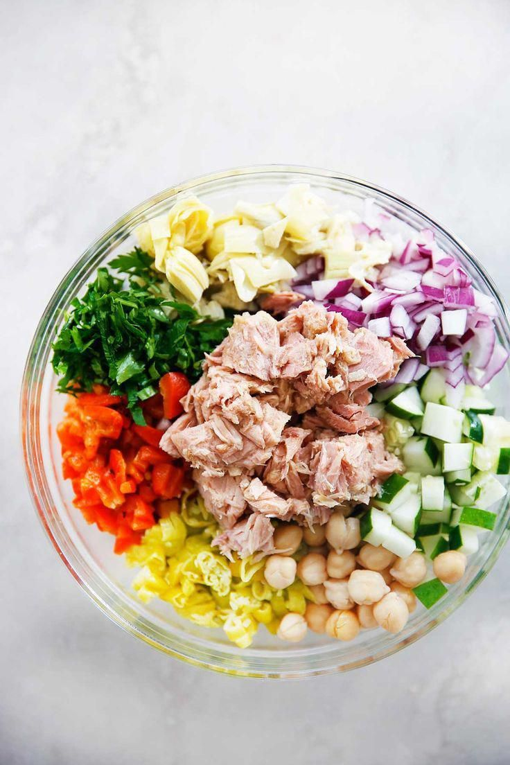 Mediterranean Tuna Salad with No Mayo - Lexi's Clean Kitchen.  #recipes #healthyeating #hearthealthy...