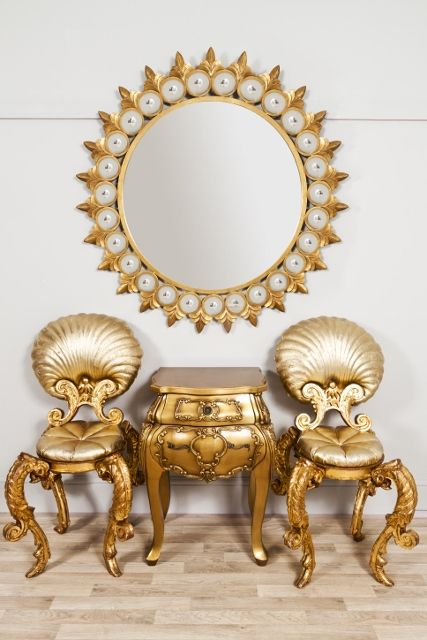 Circular large round gold metal ornate decorative mirror for Large round decorative mirror