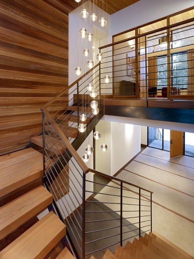 Esferas de cristal en el hueco de escalera   sugar bowl residence ...