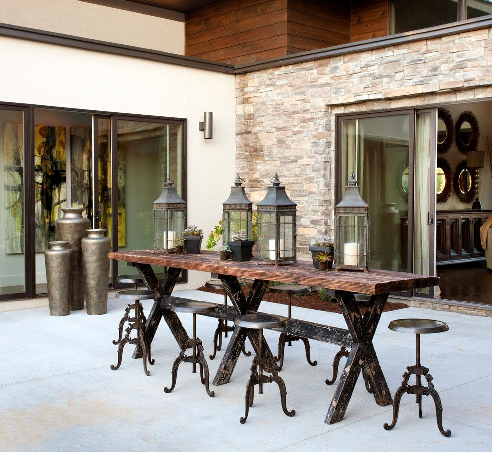 Industrial dining table and chairs - Metal And Wood Are The Perfect Accents To Cotswold Stone Myspringspace Idealhome