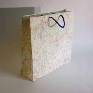 papiert te aus alten landkarten zum weiterbasteln recycling landkarte vintagmaps others. Black Bedroom Furniture Sets. Home Design Ideas