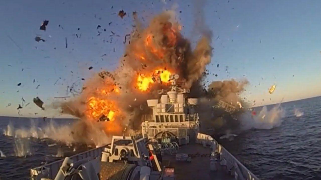 ミサイルでノルウェーの戦艦を爆破解体する瞬間の映像 ミサイル ノルウェー 戦艦 駆逐艦 爆破 解体 撃破 海軍 瞬間 軍事 ミリタリー