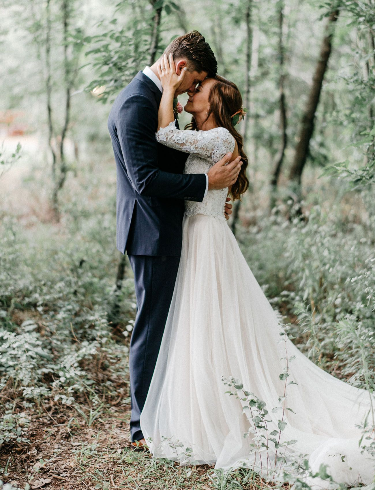 Enchanted Forest Wedding in Oklahoma: Peyton + Colton | Enchanted ...