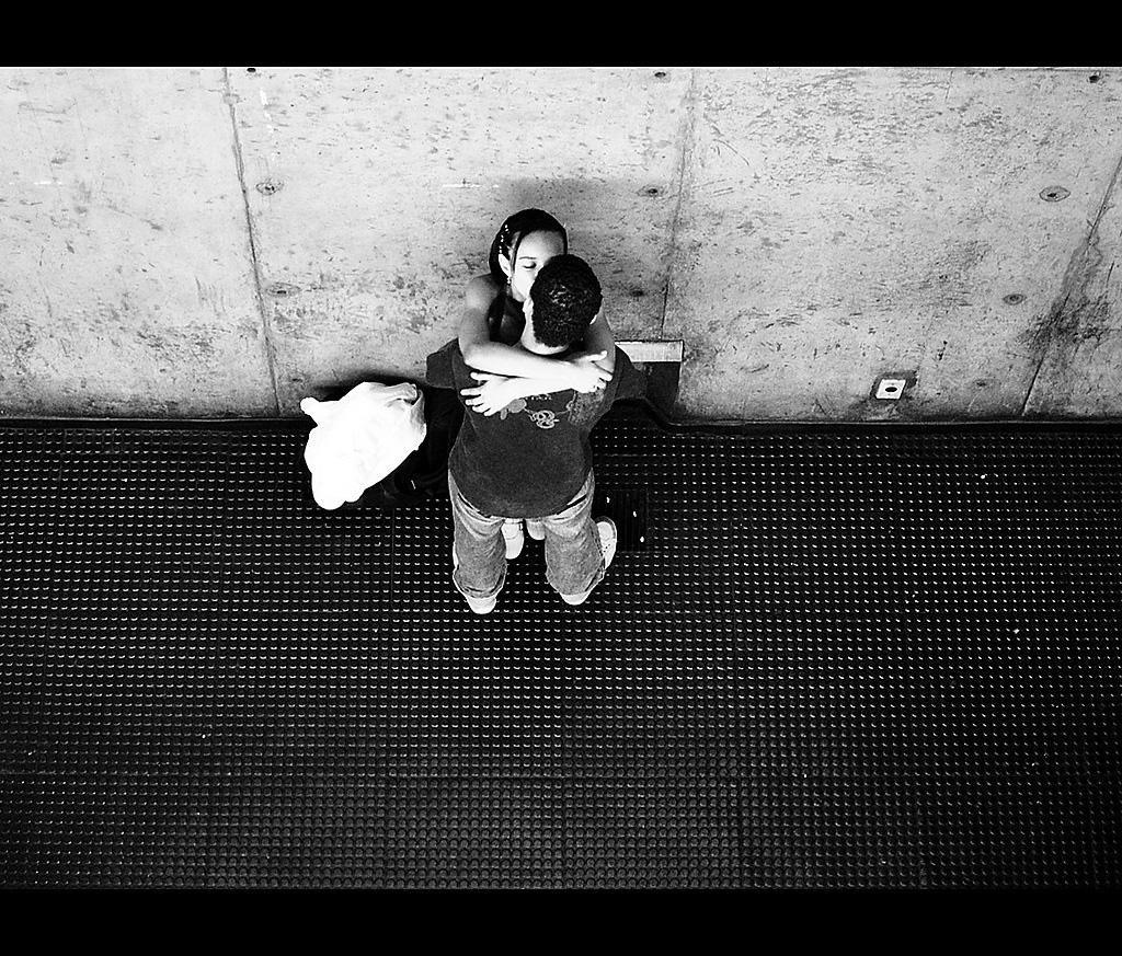 Despedida no metrô by Fernando De Santis on 500px