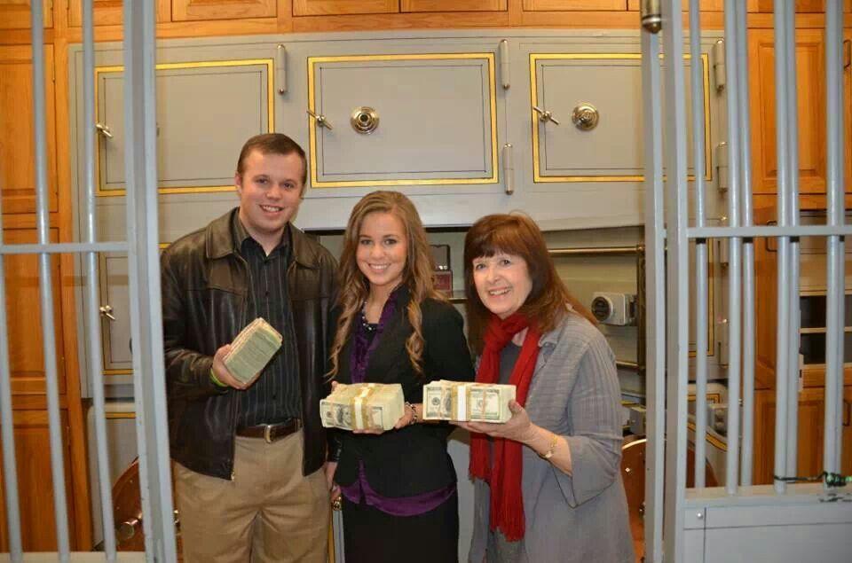 Duggars at the Treasury (Photos) Duggars, John david