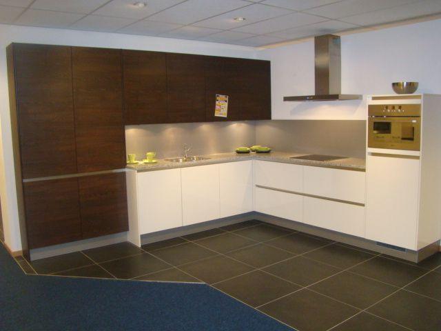 Moderne Greeploze Keuken : Moderne greeploze keuken ondiepe kasten links keuken