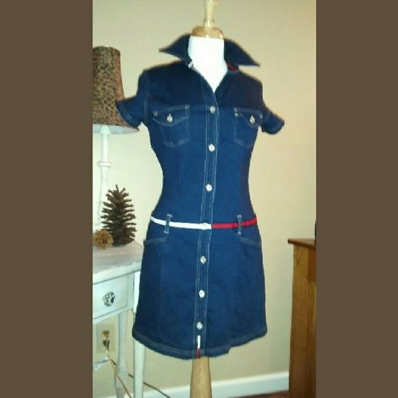 Tommy Hilfiger Denim Dress Perfect  casual dress.  Dress up with a pair of cute sandals or dress down with a pair of white canvas kicks.   33 inches from shoulder to hemline., 4% spandex.  (Junior size large.) Tommy Hilfiger Dresses Midi