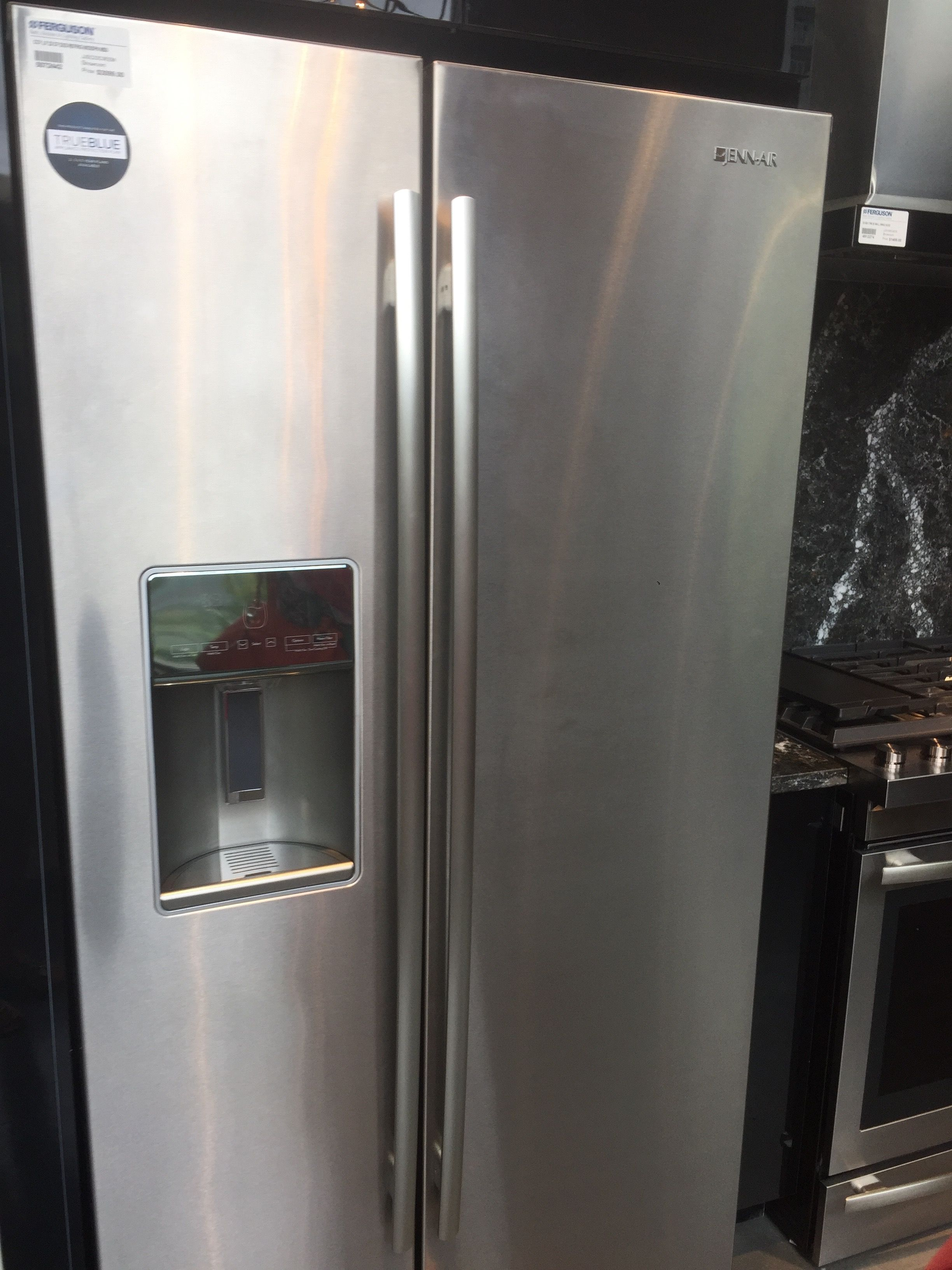 JennAir Refrigerator nice, lightweight open Eastover