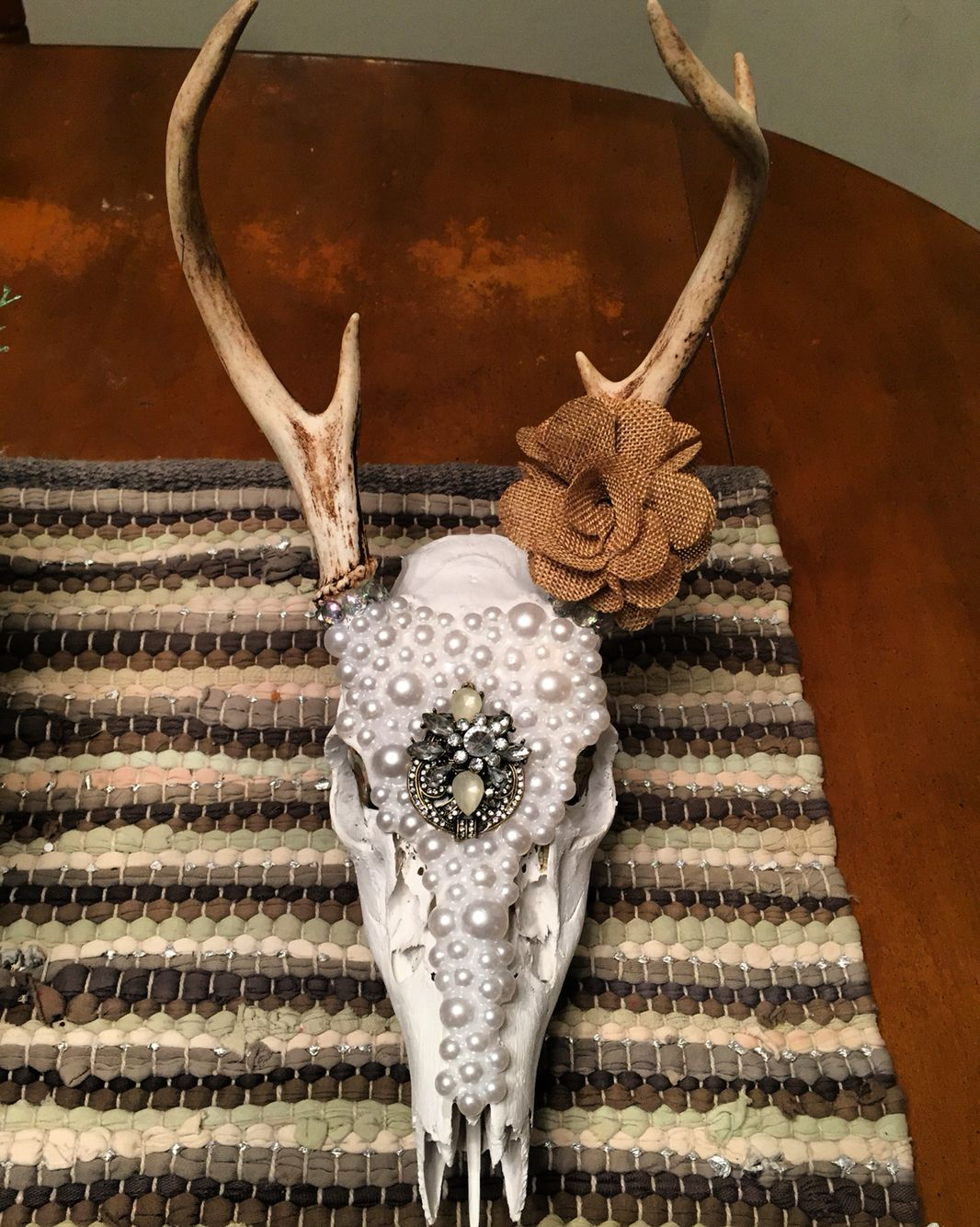 Pearl rustic deer skull
