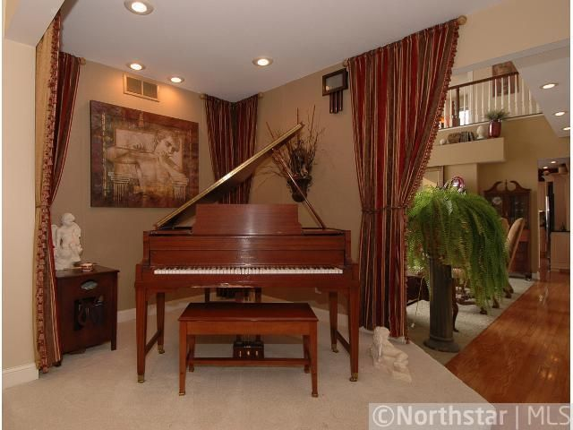28601 Hub Dr Madison Lake, MN 56063 Piano room, Property