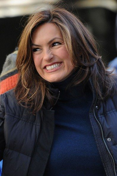 Mariska Hargitay Long Slightly Curled Hair Hairstyle Mariska Hargitay Hair Beauty