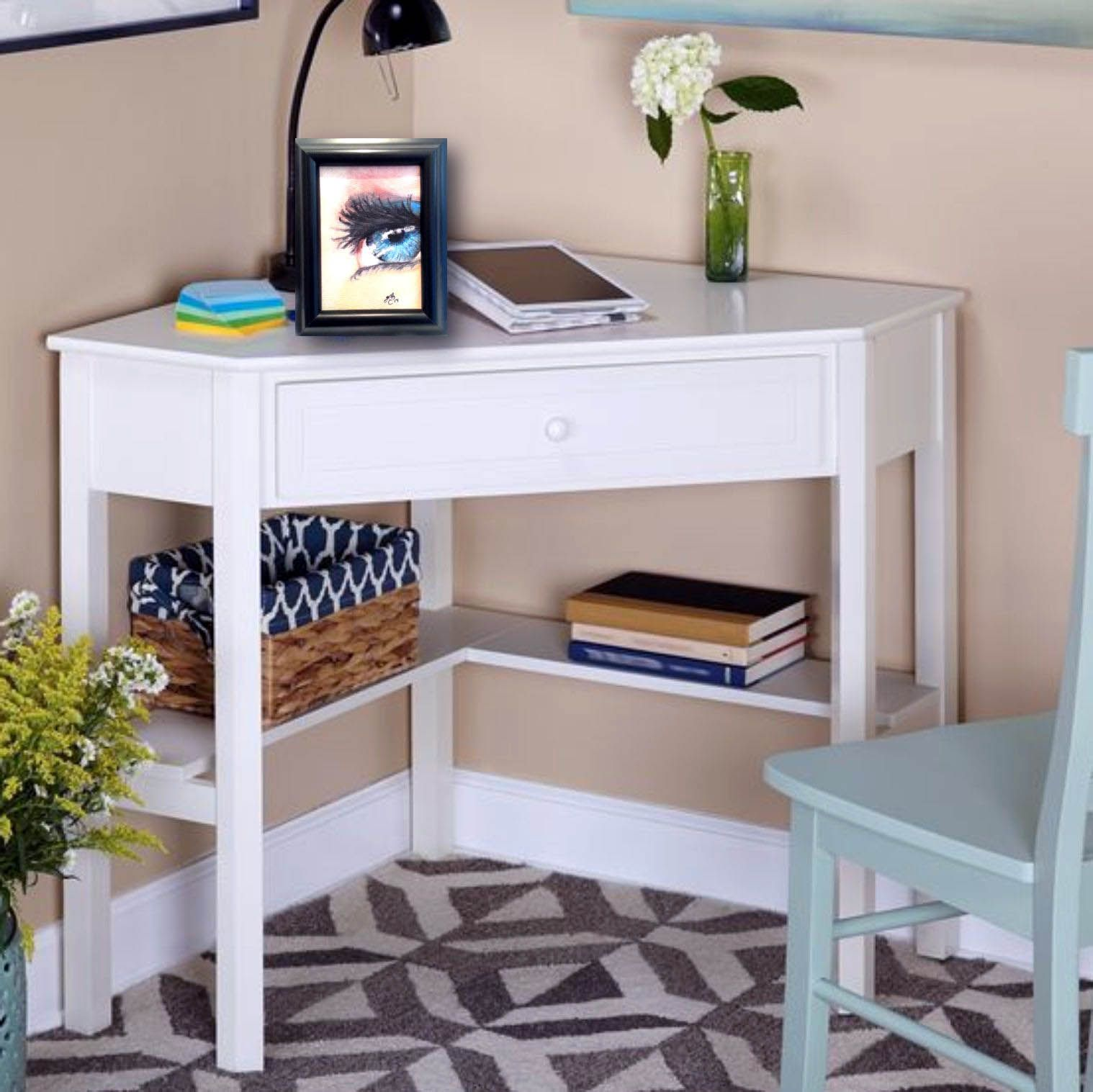 Fresh Ideas of Small Writing Desk for your Comfy Home
