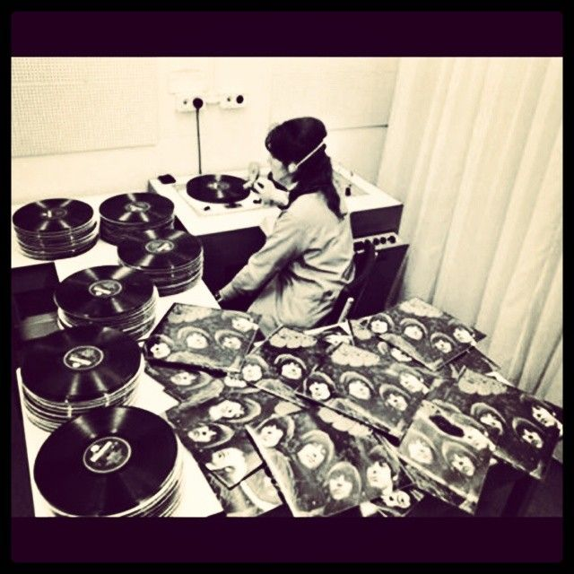 Quality control for the vinyl pressing of The Beatles' Rubber Soul LP. #Beatles #TheBeatles #rubbersoul #vinyl #qualitycontrol #lp #album #qc #1965 #sixties #60s #1960s #vintage #manufacturing #longplayer #turntable #recordplant #records #fabfour #JohnLennon #PaulMcCartney #GeorgeHarrison #RingoStarr #Padgram