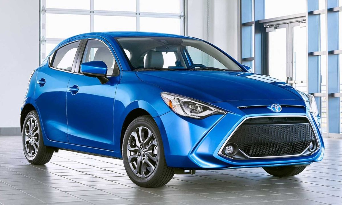 Toyota Has Brought Back The Yaris Hatchback To Compliment The New 2020 Yaris Sedan It Is A Mazda2 With A Toyota Badge Toyotayaris T Hatchback Toyota Yaris