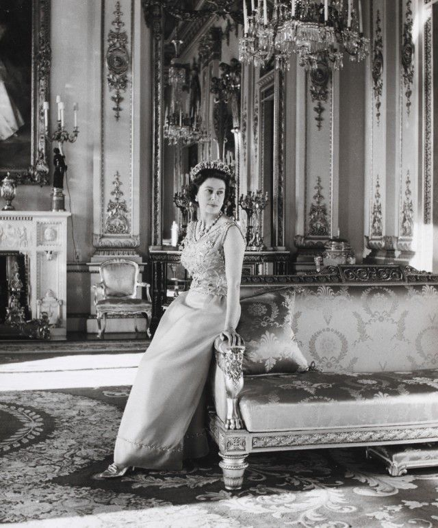 queen elizabeth's fashions Yahoo Image Search Results