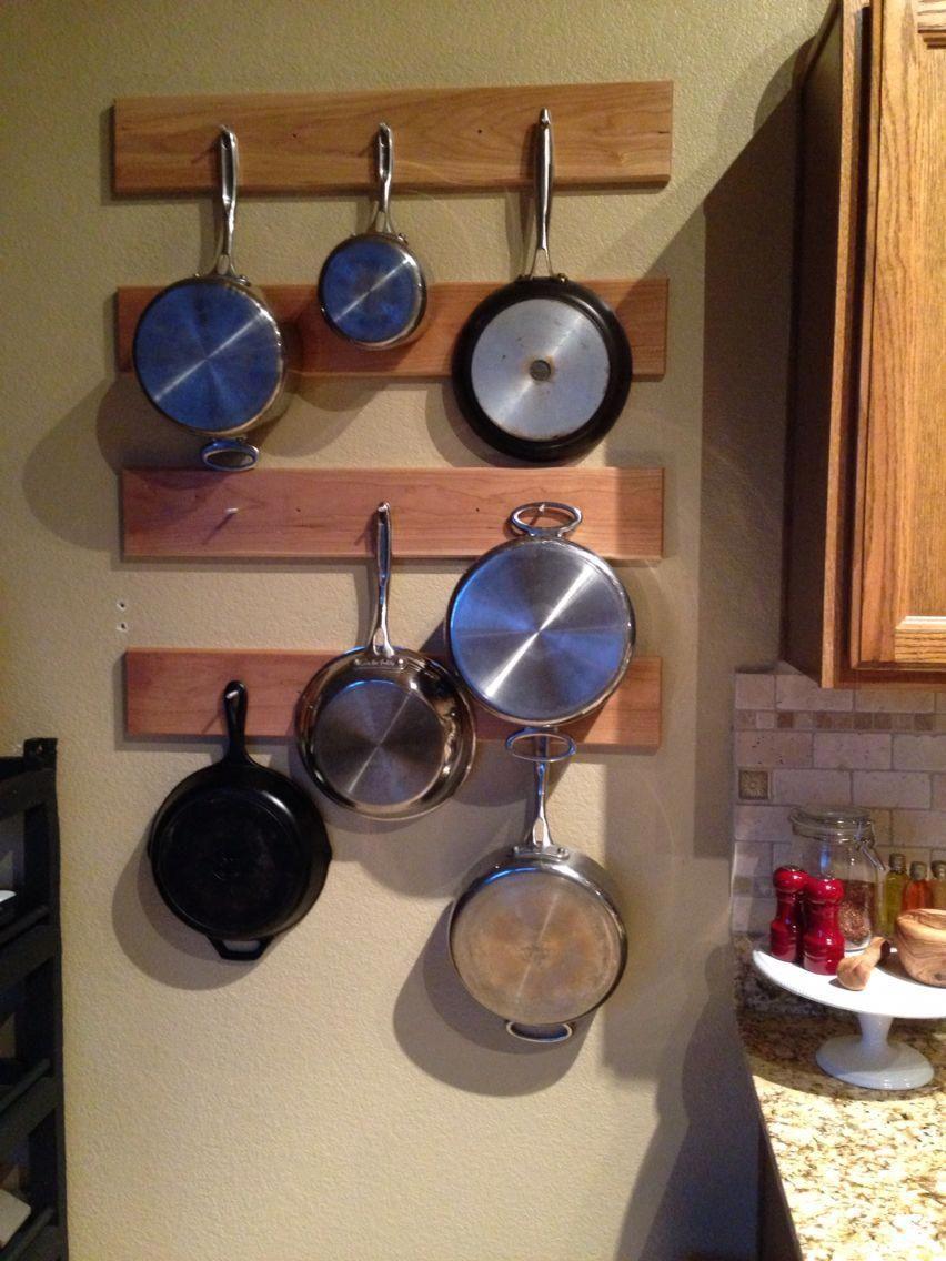 Kitchen pot rack! #potskitchenhanging  Appartement, Deco, Cuisine
