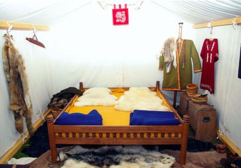 Bett Aus Der Merowingerzeit Bed Vintage Antik Holz Wood Antikes Holz Mobel Holz Holz
