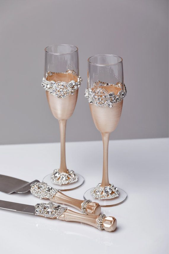 Wedding сhampagne glasses, set of 2 For these glasses color ...
