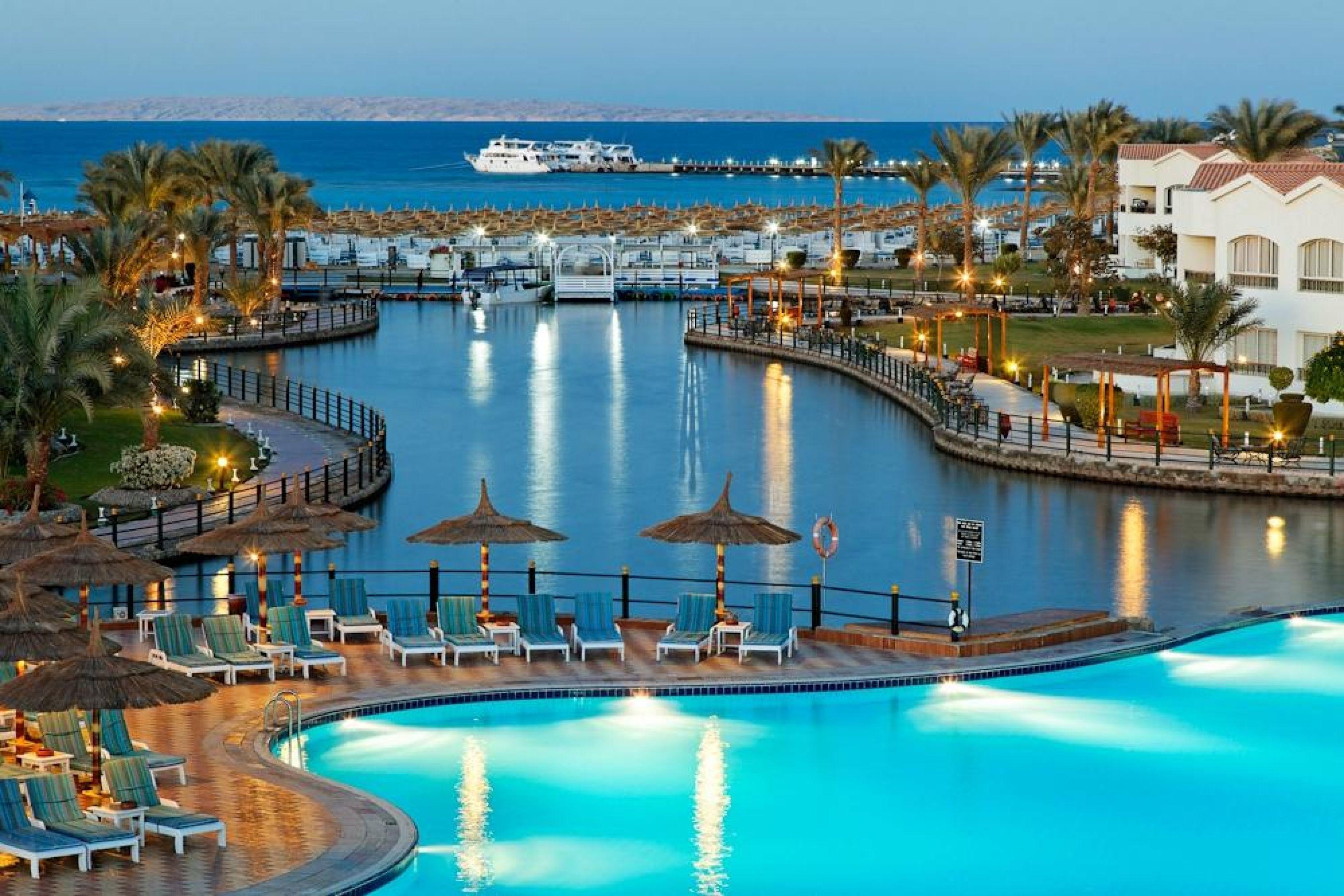 captivating dana beach resort hurghada egypt resort. Black Bedroom Furniture Sets. Home Design Ideas