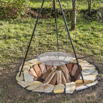 Eine Feuerstelle selber bauen: So geht's