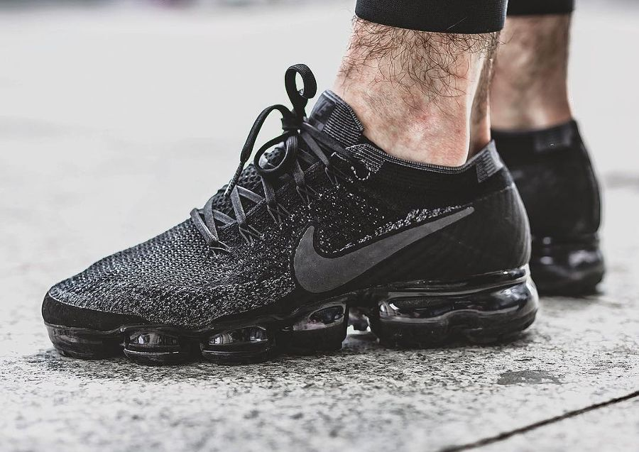 Découvrez en images la Nike Air Vapormax Black Anthracite, une version  quasi monochrome de la