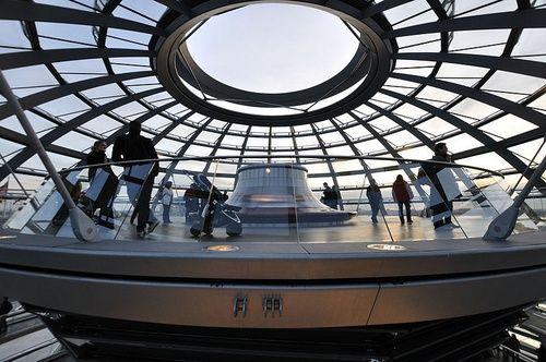 Reichstag dome Berliini sisäkuva