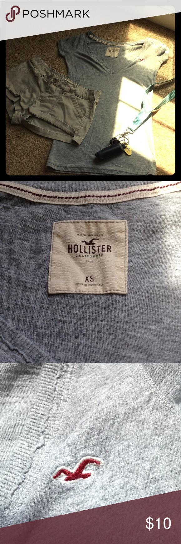Hollister T-Shirt Grey T-shirt hollister, XS Hollister Tops Tees - Short Sleeve