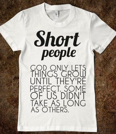 YOU/'RE REALLY GOT TO HAND IT TO SHORT PEOPLE Funny Black Neck Neck Tshirt S-XLL