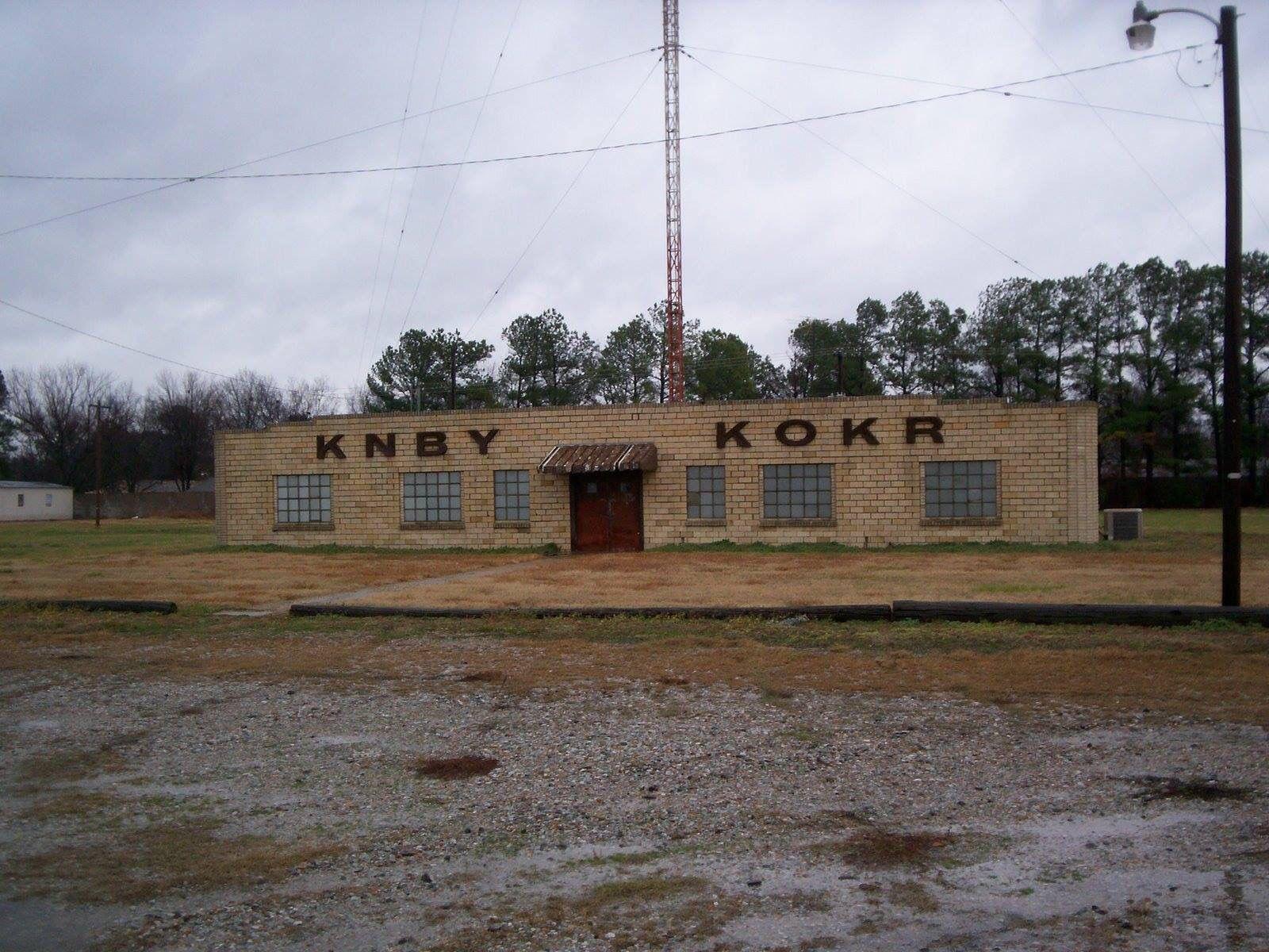 Old Knby Kokr Radio Station In Newport Arkansas It S Long Shut Down