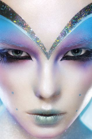 Alien Make Up. 23 Cool & Crazy Ideen #alienmakeup