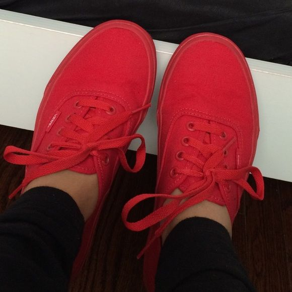 Joggers Red Shoes