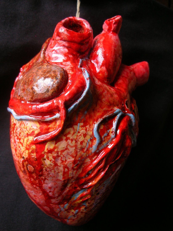 Anatomical heart sculpture