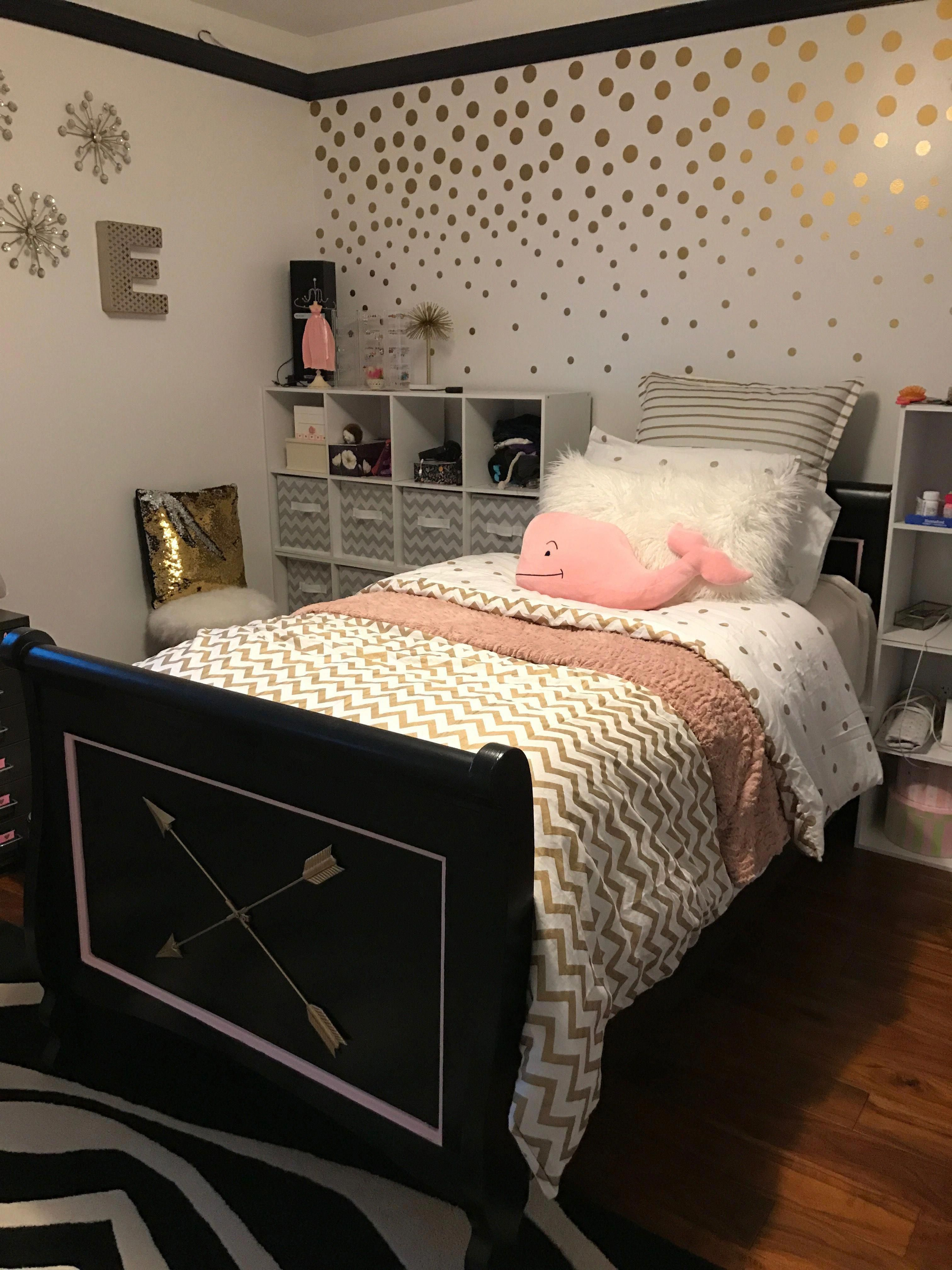 Pink Black And Gold Pinkandgoldbedroom Pinkbedroomforteengirls Black White And Gold Bedroom Gold Bedroom Grey And Gold Bedroom