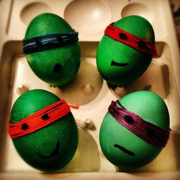 NINJA TURTLE EASTER EGGS yep this is happening @Kristin Plucker - huevos decorados