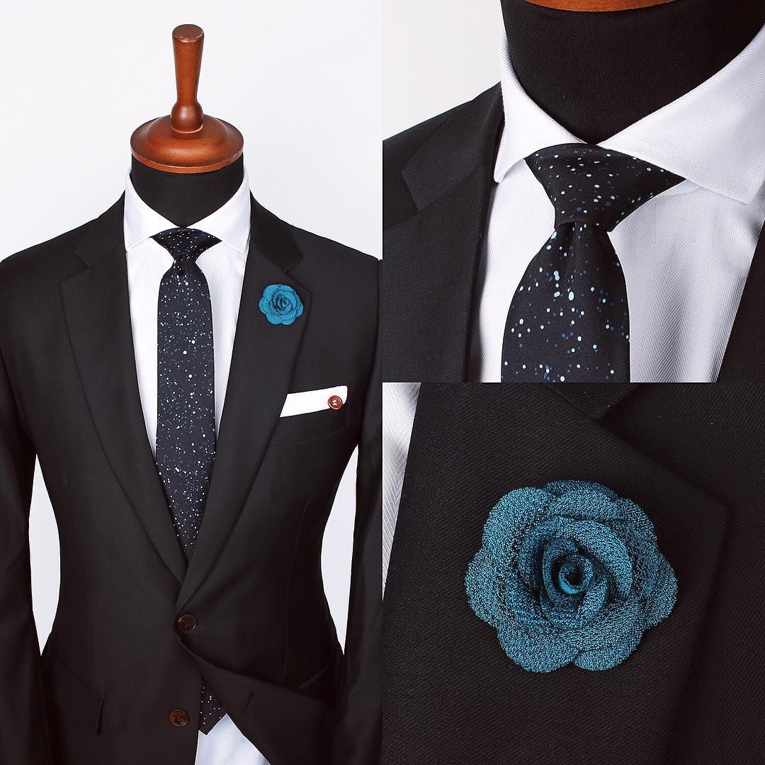 The Pitch dot tie, Blue micro lapel pin and White edge
