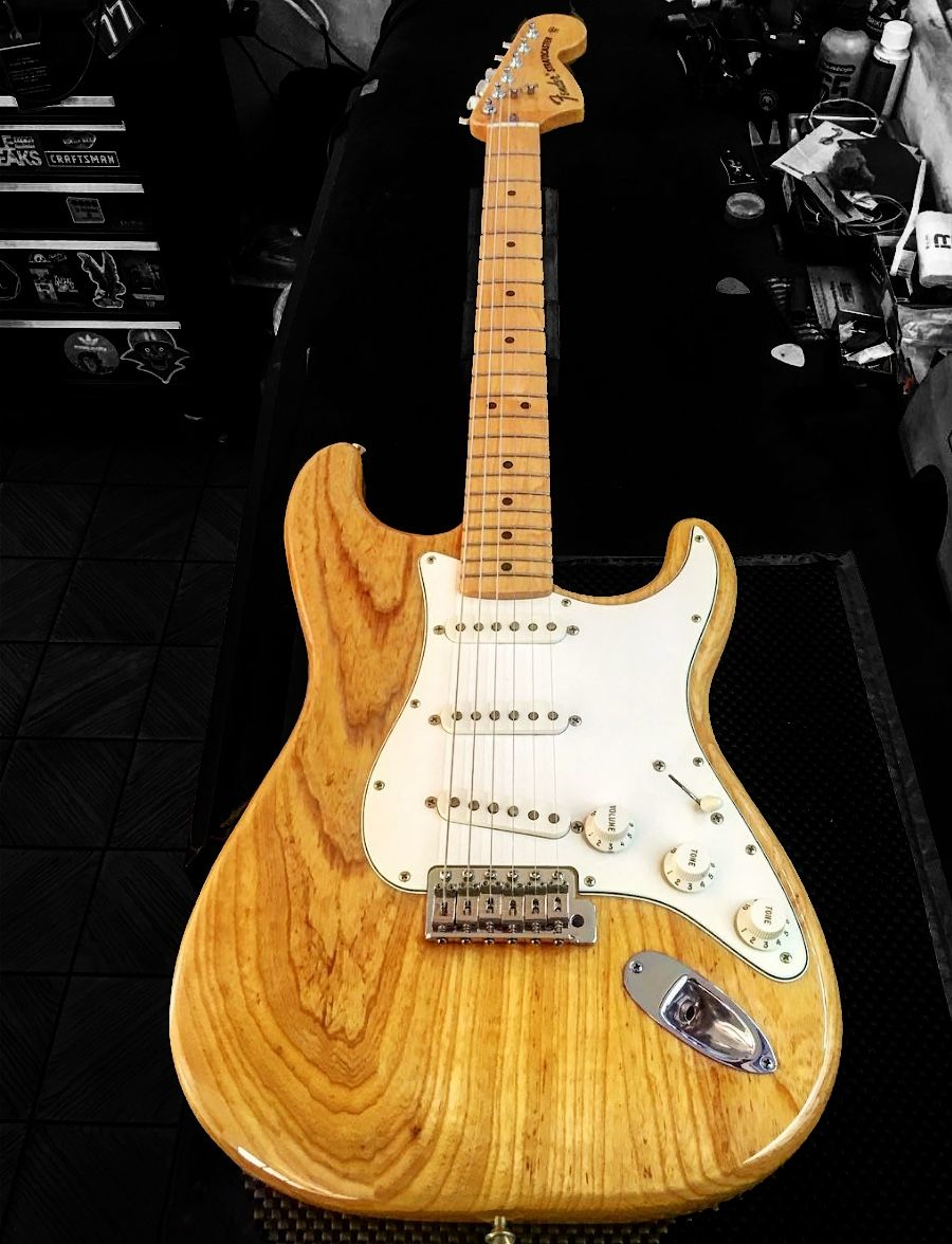 fender 60th anniversary stratocaster natural [ 900 x 1176 Pixel ]