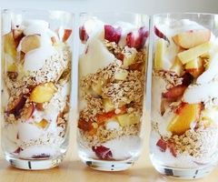 Cooking / healthy yogurt parfaits