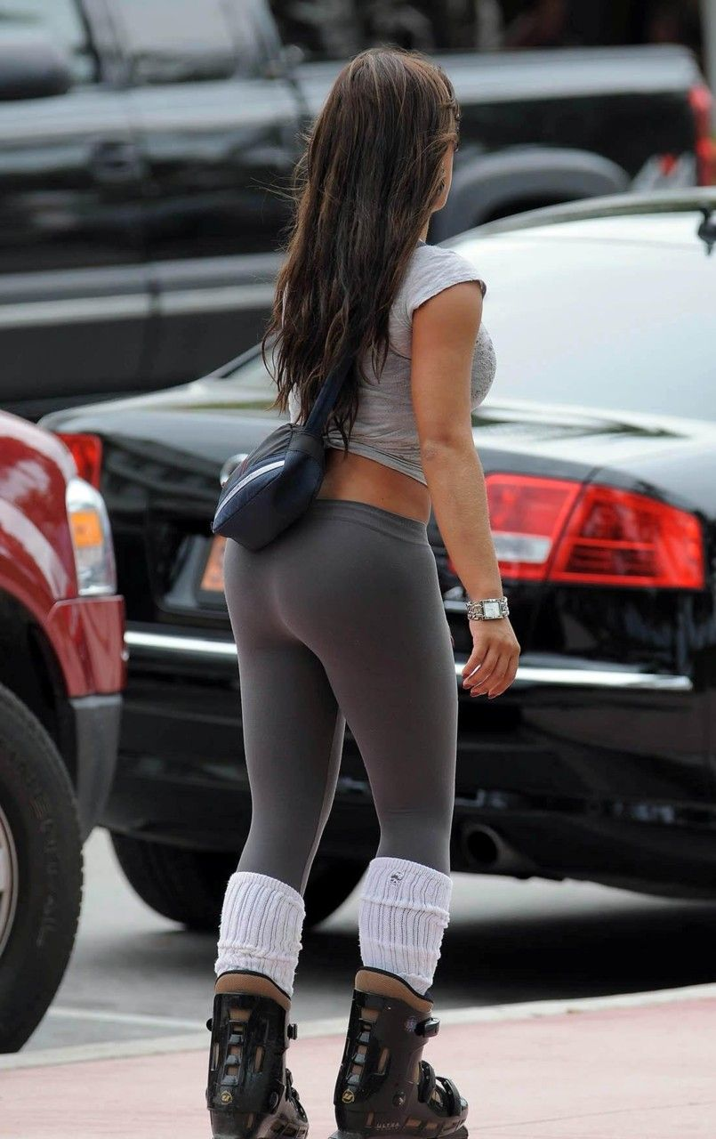rollerblades | thighs, yoga pants and yoga