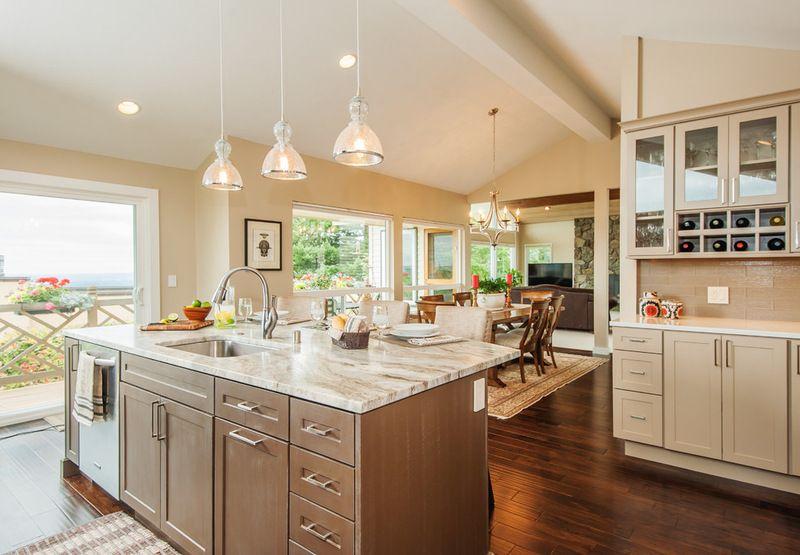 transitional kitchen by Kayron Brewer, CKD, CBD / Studio K B H