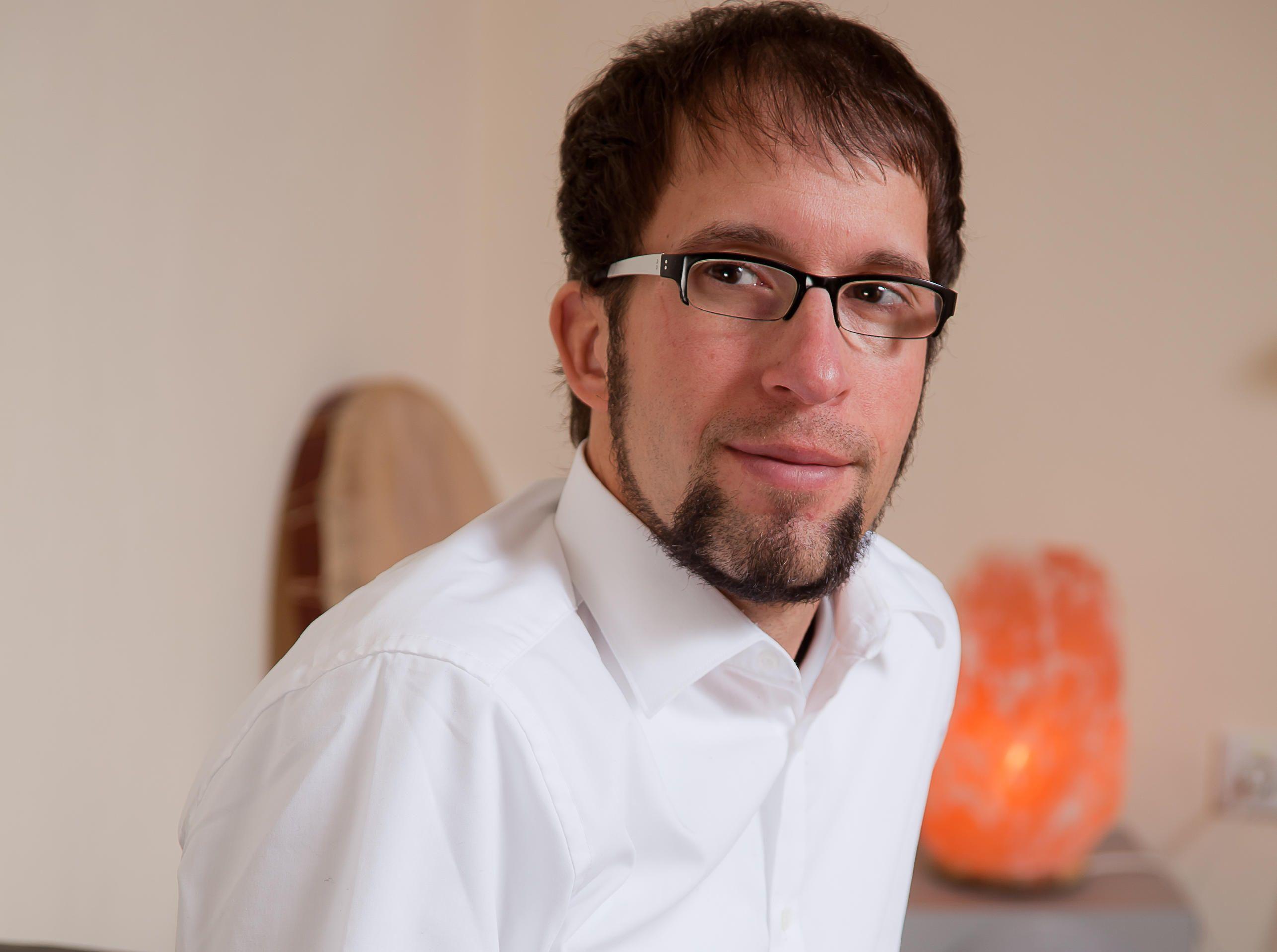 Joerg Fuhrmann Experte für Erfolgshypnose & DeHypnose | UNITEDNETWORKER Wirtschaft und Lebensart Magazin