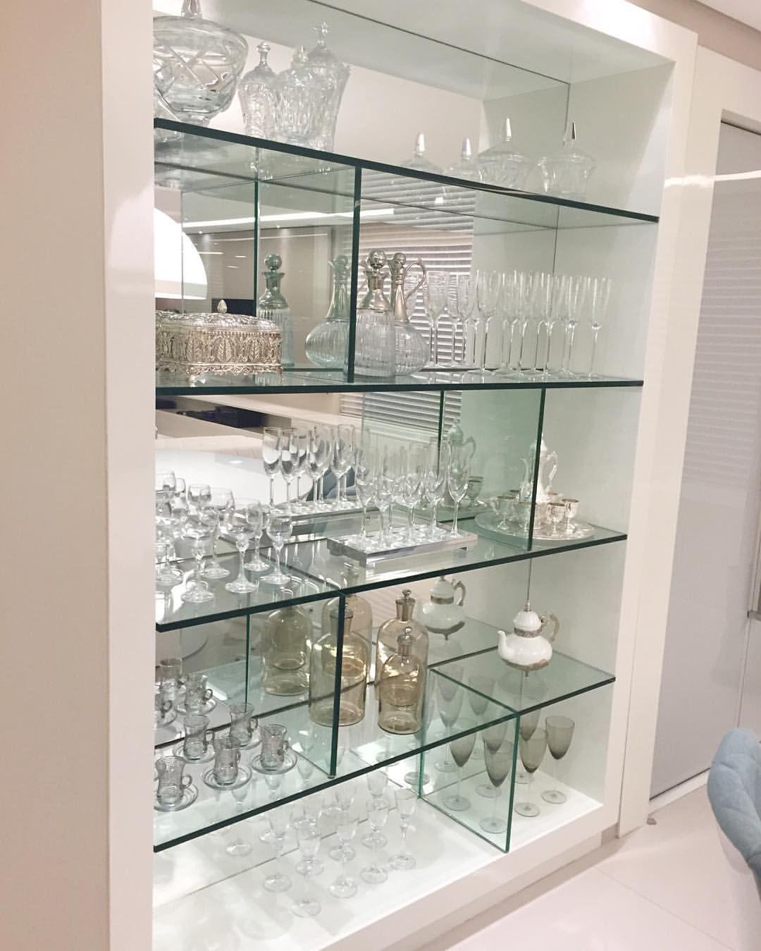 Cristaleira desenhada toda em vidro e espelho | Decoração de casa ...